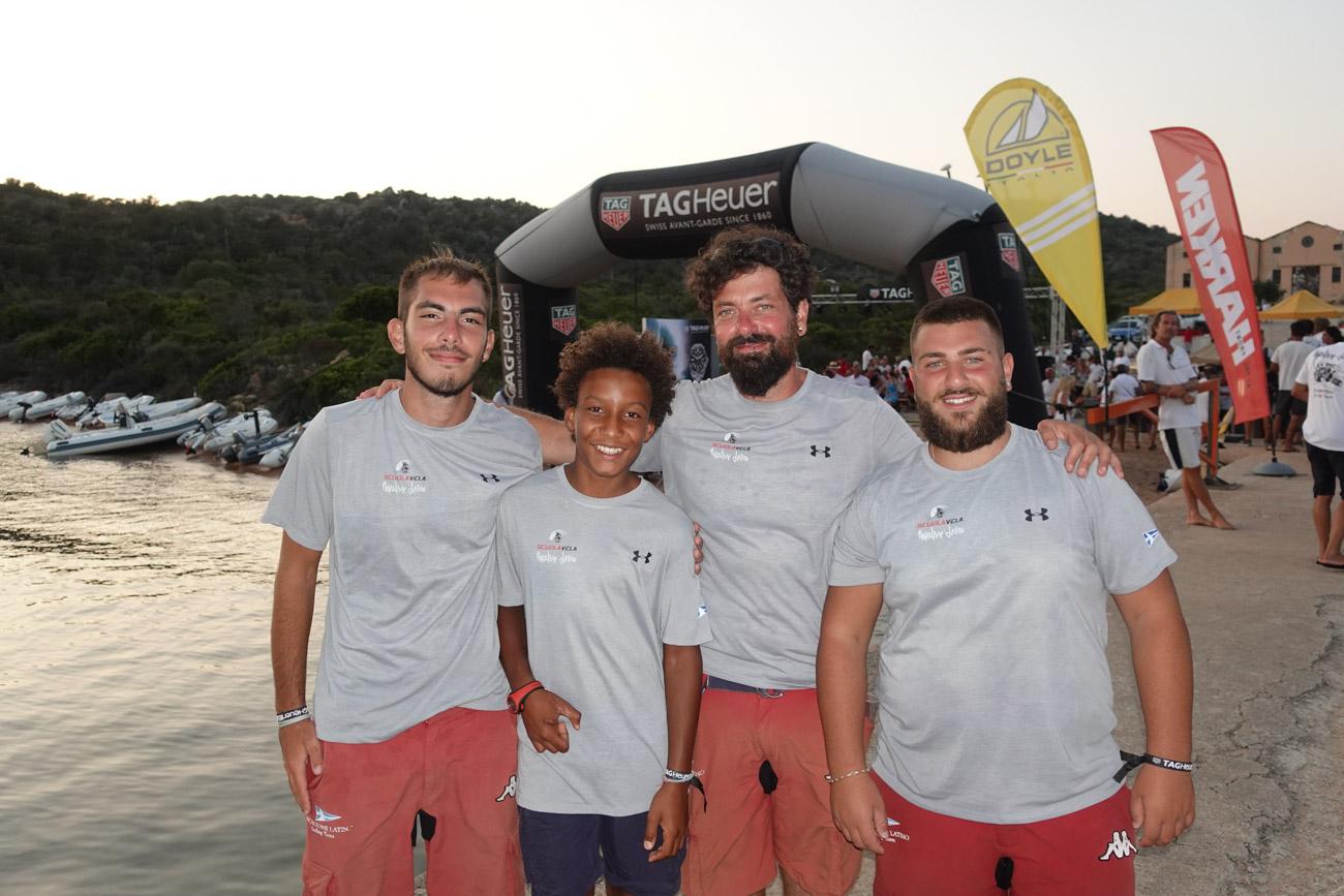 Mascalzone Latino e i ragazzi della Scuola Vela alla Tag Heuer Caprera Vela Cup